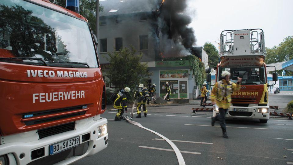 Feuer Und Flamme Tv Team Beginnt Dreh Bei Feuerwehr Bochum Waz De